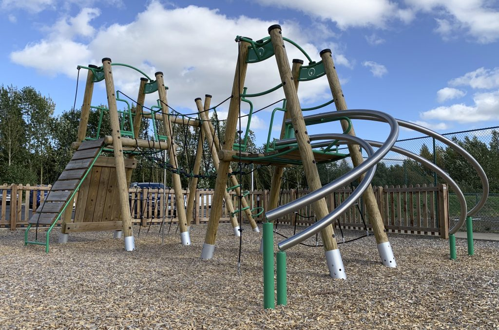 The Shrewsbury Club Large Timber Mammoth Climber